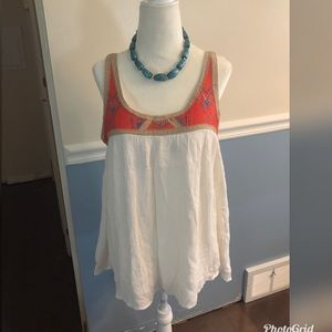 Romeo & Juliet Couture Sleeveless Top